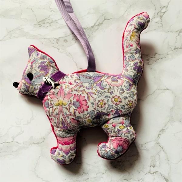 animal hanging decoration cat lodden liberty print