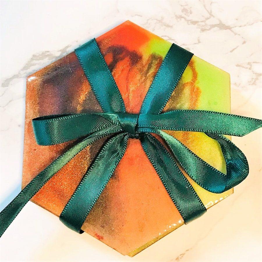 Coaster gift set hexagonal - Green orange closeup